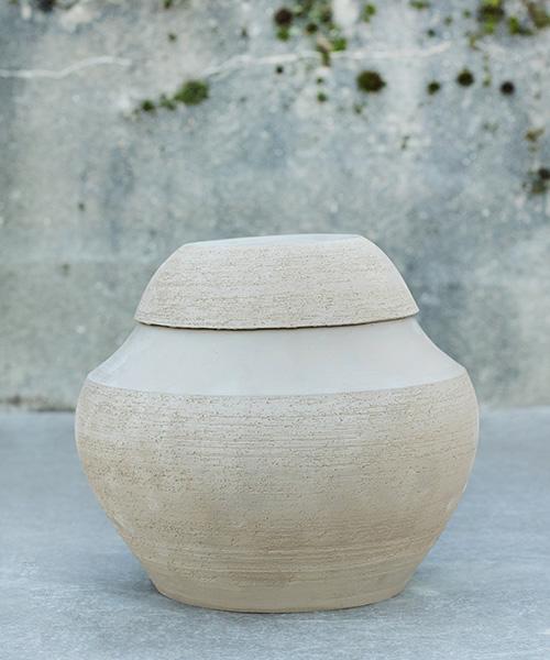 urn licht rond keramiek natuurbegraafplaats